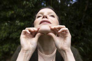 double menton yoga du visage